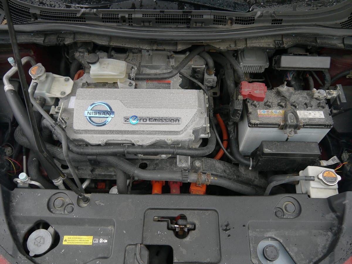 2012 nissan leaf hood engine