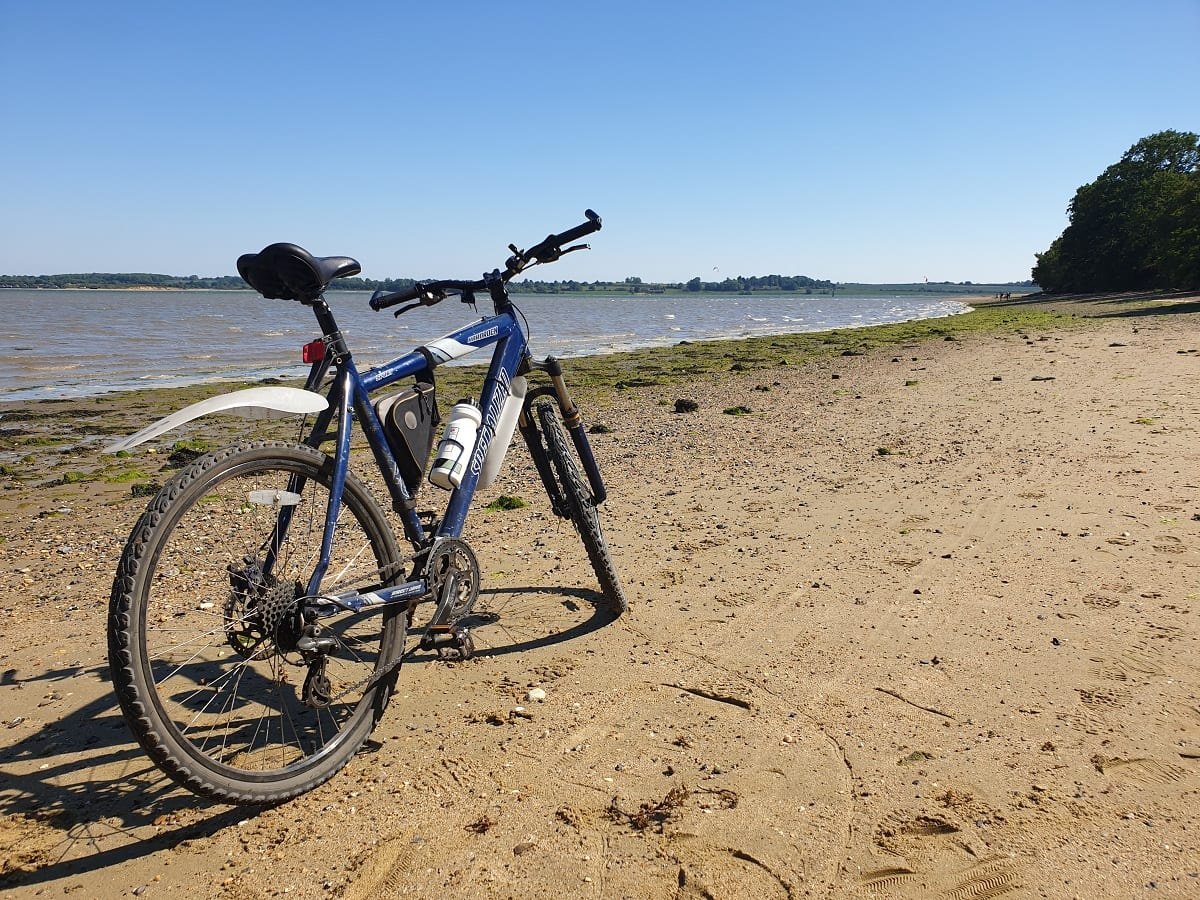 Image of bicycle on Stour river front