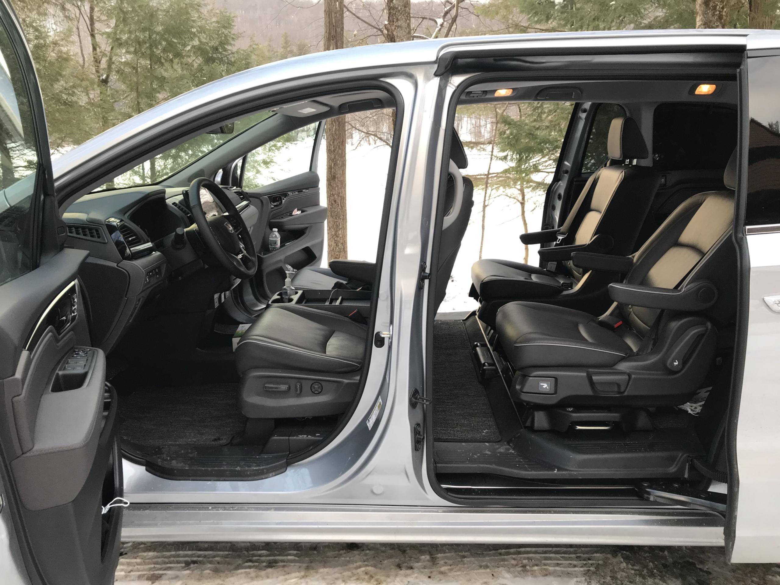 2021 honda odyssey elite doors open
