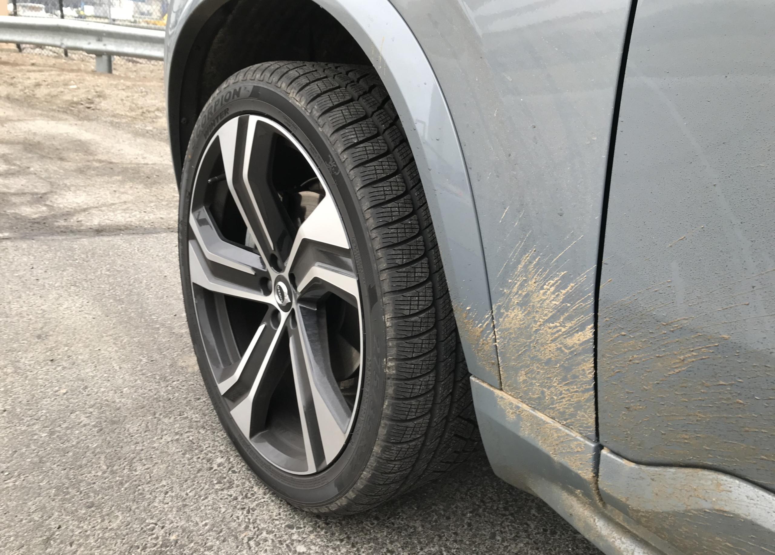volvo xc90 22 inch wheels snow winter tires pirelli 285