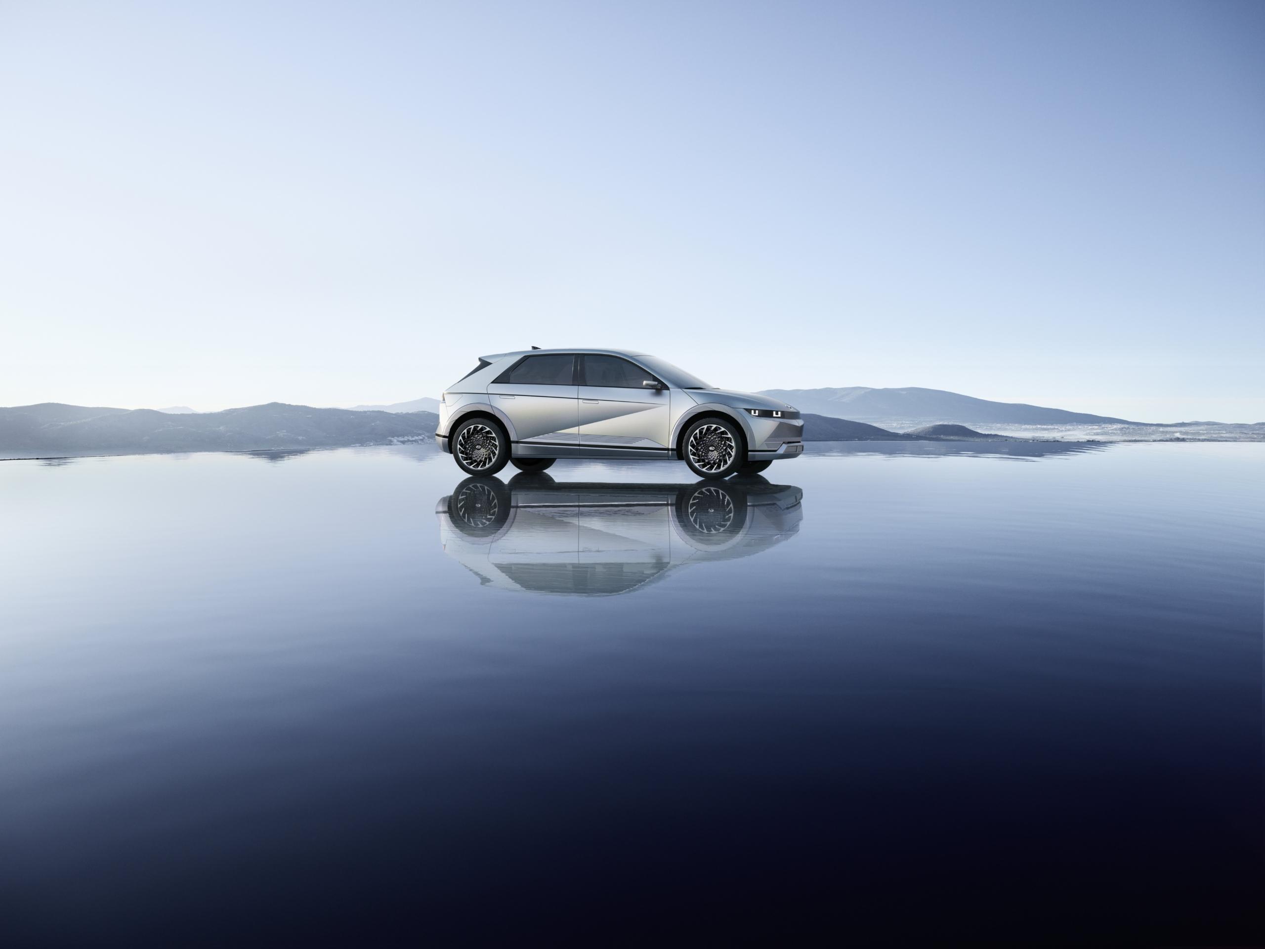 Hyundai Ioniq 5 side