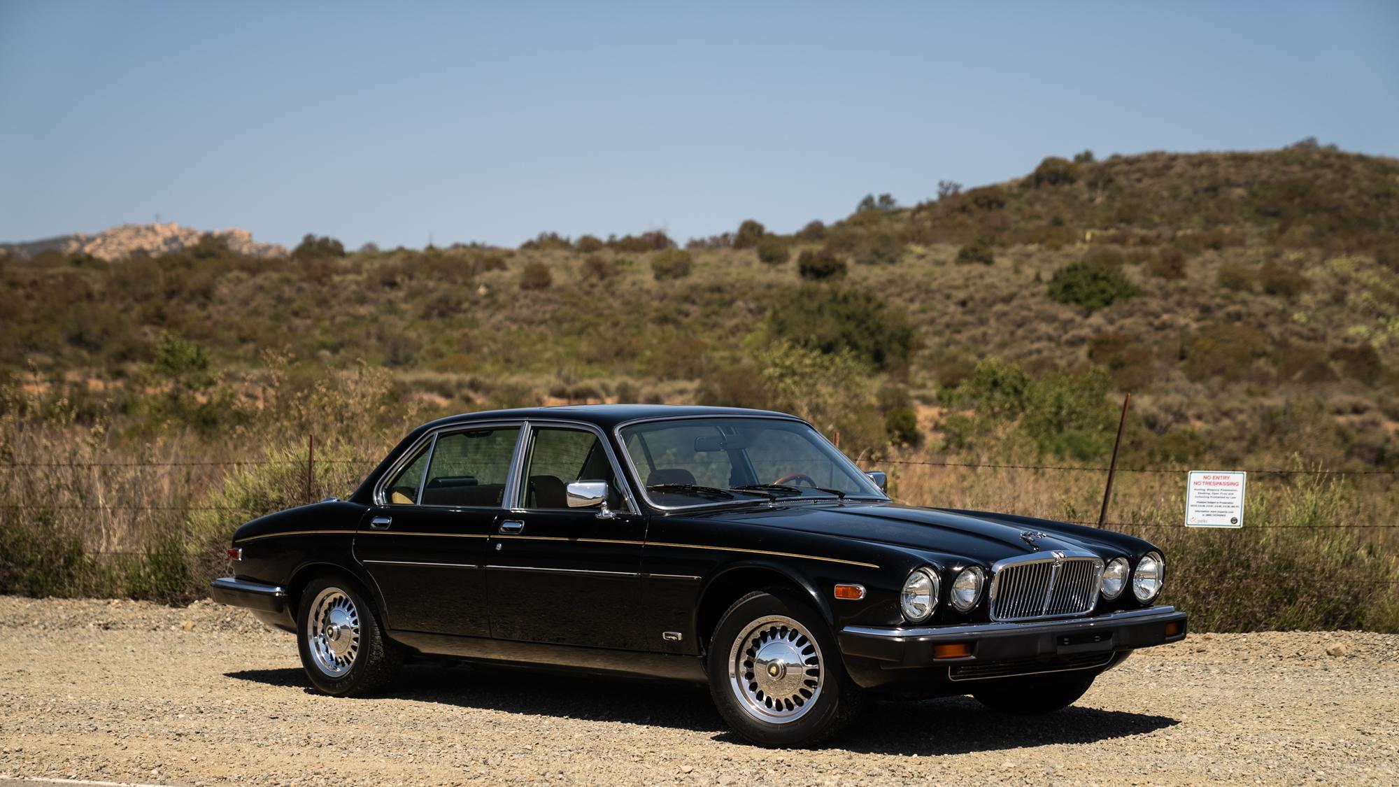 1986 Jaguar XJ6 front side