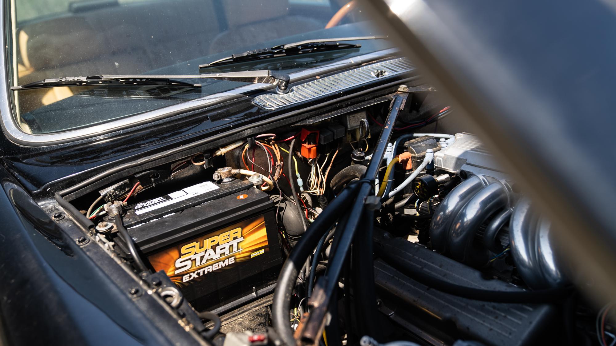 1986 Jaguar XJ6 engine