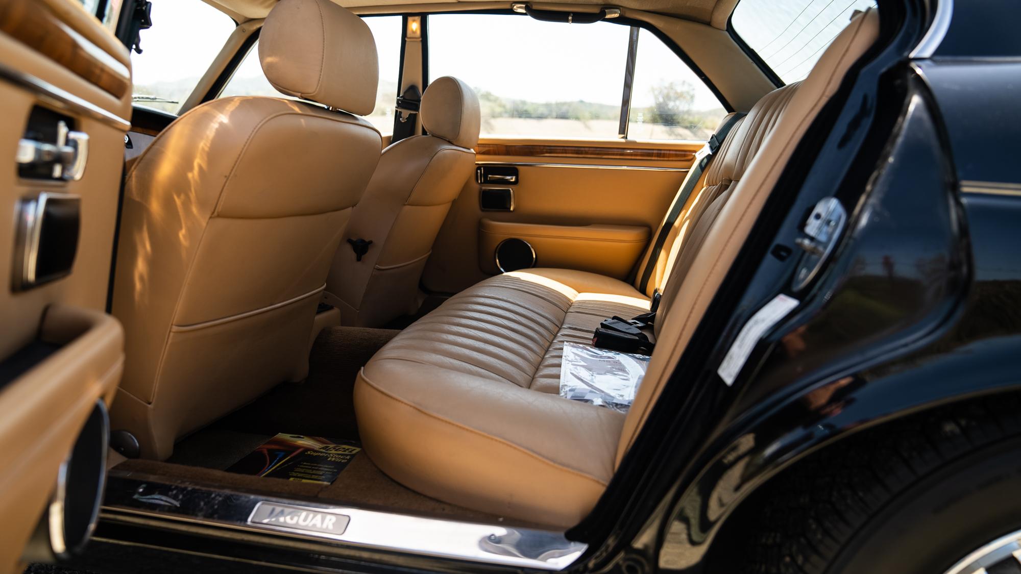 1986 Jaguar XJ6 back seat
