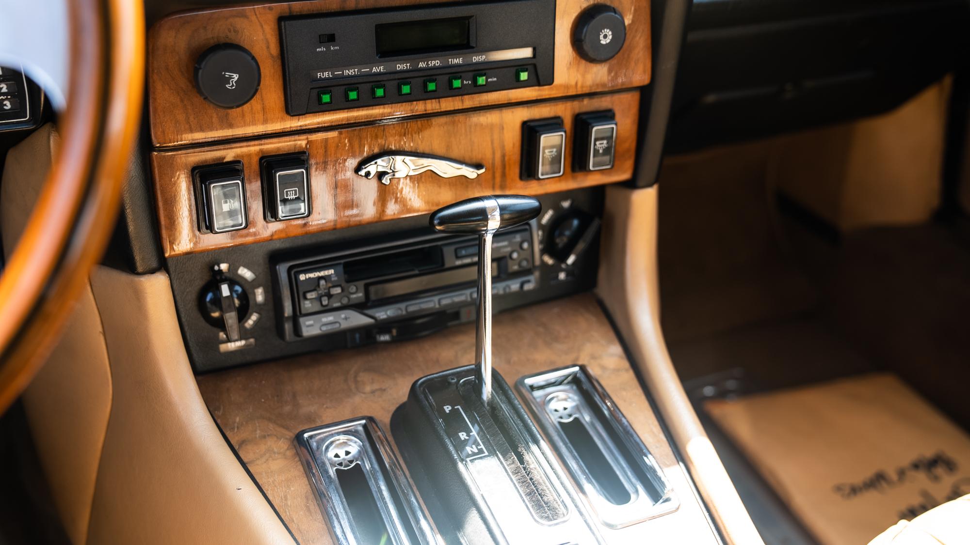 1986 Jaguar XJ6 shifter