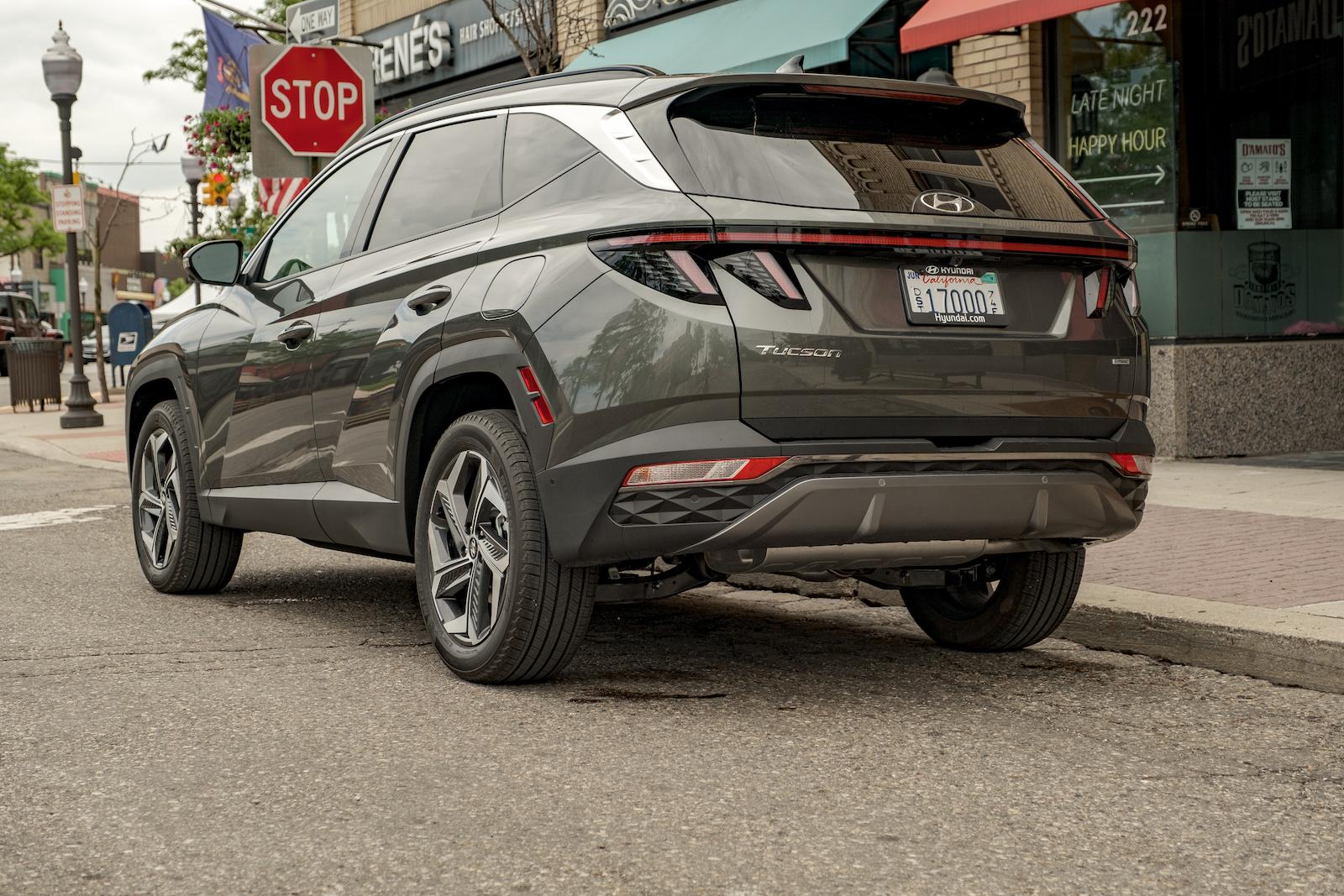 2022 Hyundai Tucson Limited rear 3/4