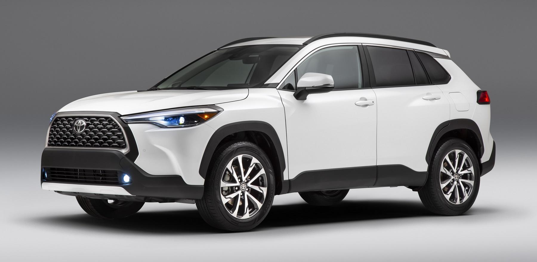 2022_Toyota_Corolla_Cross_Celestite_016